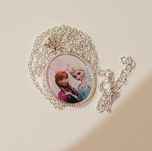 Jewelry - NWOT Frozen necklace